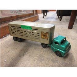 1960s Structo Cattle Farm Semi-Transport
