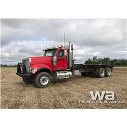 2003 IHC 5900 T/A BED TRUCK
