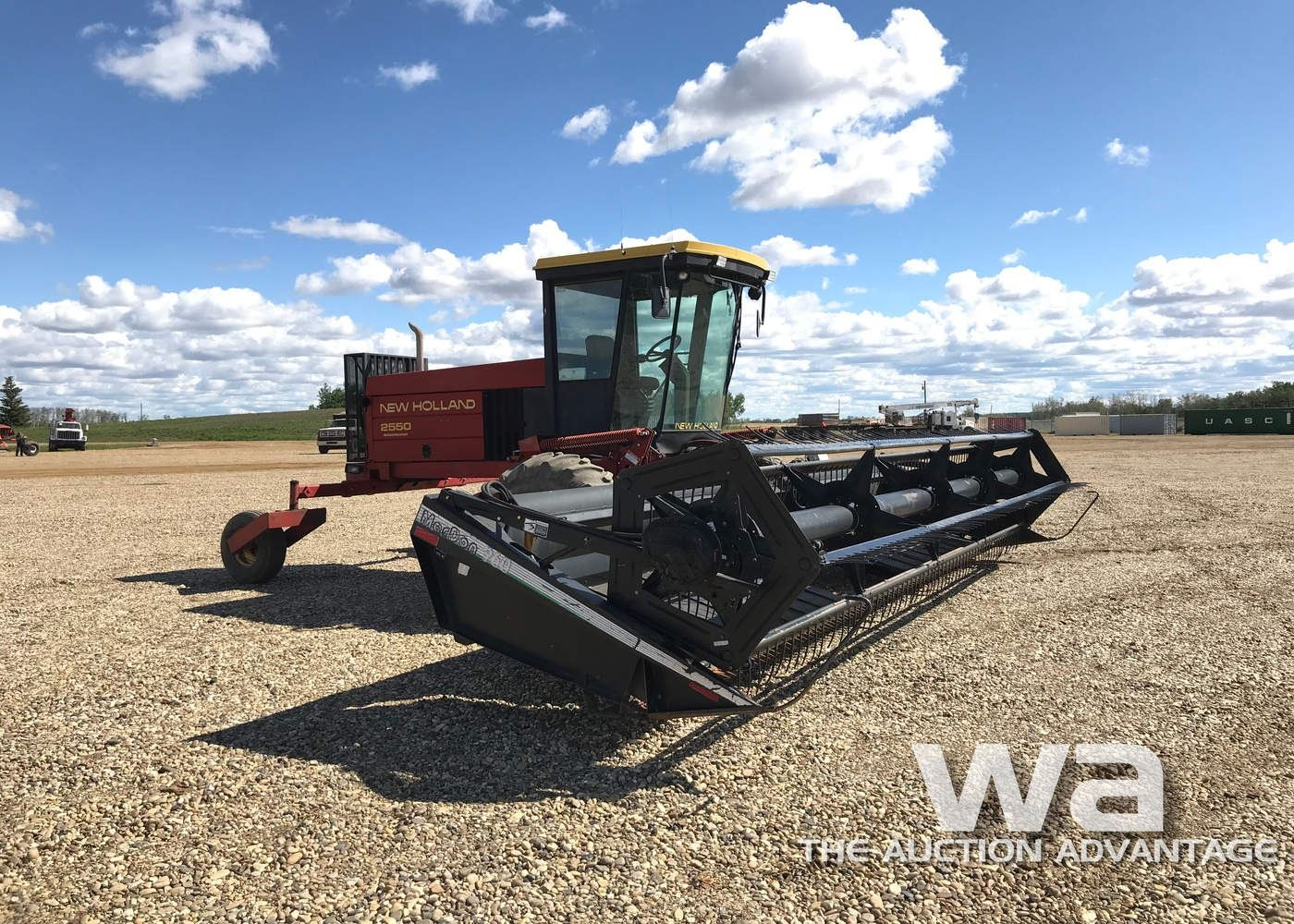 1995 NEW HOLLAND 2550 SWATHER