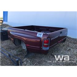 2001 DODGE DUALLY P/U BOX