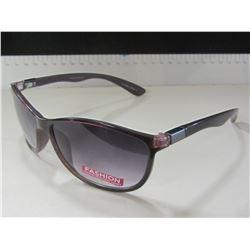 New Women's Foster Grant Sunglasses / scratch resistant lenses