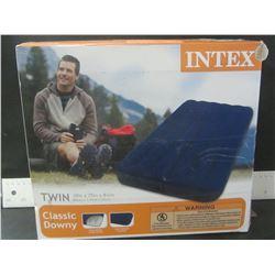 Intex twin Air Mattress/ Classic Downey / open box