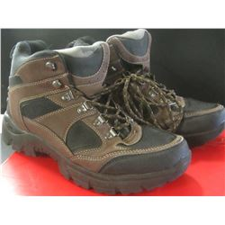 Red Head Casual Hiking boots/ size 8.5 m