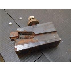 """Yuasa 7/8"""" Capacity Tool Post, P/N: 740-407"""