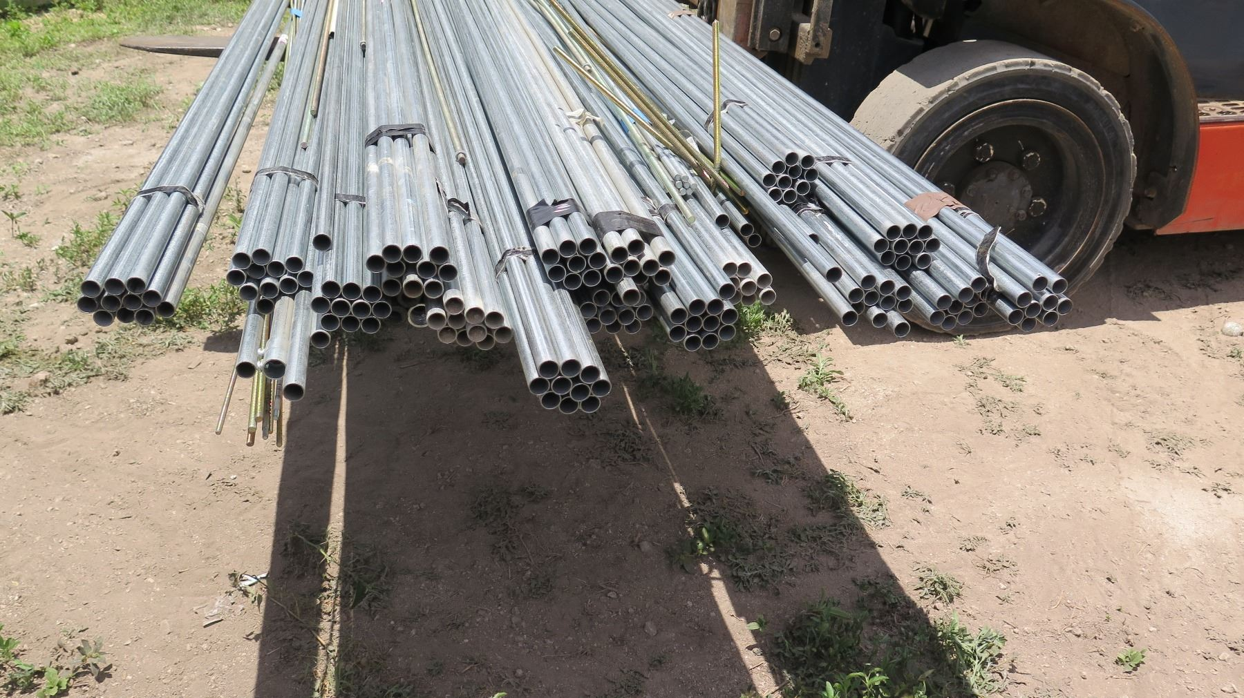 Large Lot Allied Metal Pipe / Conduit 12 ft 1/2
