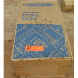 Square D Heavy Duty Safety Switch #HU362RB, 60A