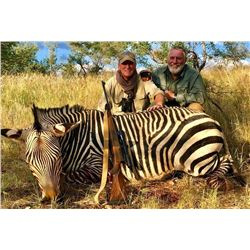 PROHUNTING: 7-Day Mountain Zebra Hunt for One Hunter and One Non-Hunter in Namibia