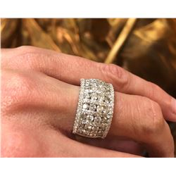 AVANTI: Elegant Ladies Diamond and 18K White Gold Band Ring