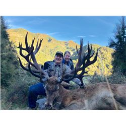 SPEY CREEK: 5-Day Red Stag Hunt for Two Hunters in New Zealand - Includes Trophy Fees