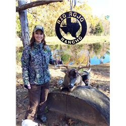 RIO ROJO: 3-Day Whitetail Hunt for One Hunter and One Non-Hunter in Texas - Includes Trophy Fee