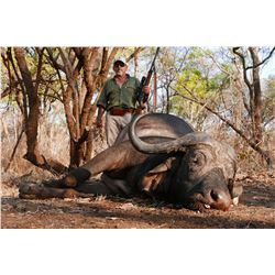 LEGENDARY CONSORTIUM: 12-Day Buffalo, Crocodile and Plains Game Hunt for One Hunter and One Non-Hunt