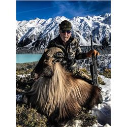 6-day New Zealand Tahr Hunt For Two Hunters and Two Observers