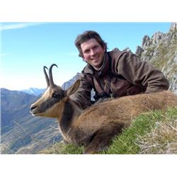 5-Day Cantabrian Chamois Hunt for Two Hunters and Two Observers