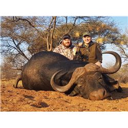 CHATTARONGA SAFARIS 14-Day Hunt for Leopard and Cape Buffalo for 1 Hunter in Zimbabwe