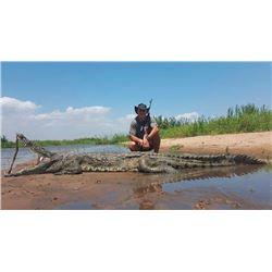 MASHAMBANZOU SAFARIS 7-Day Crocodile Hunt for 1 Hunter and 1 Observer on the Zambezi River