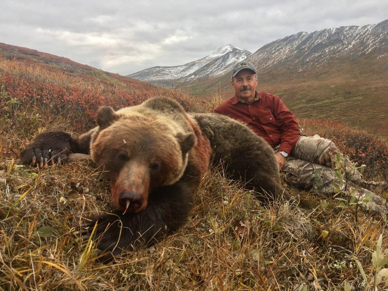 Hunter Day Yukon >> 10 Day Grizzly Bear Hunt For 1 Hunter In The Yukon