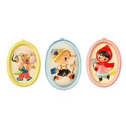 "Set of 3 ""It's a Small World"" Wall Decorations."