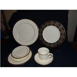 Lenox dinner ware set, setting for 6
