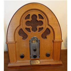 Thomas cabinet radio, newer