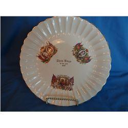 Three Kings plate & Alfred Meakin sugar/creamer set