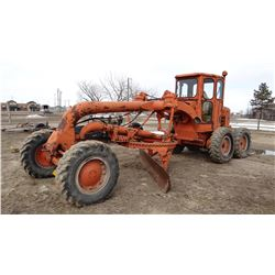 Allis-Chalmers road grader, 6-stick, 3 cyl. Detroit diesel, 12' blade.  A good ranch outfit!