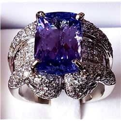 14 CT Tanzanite & Diamond Ring