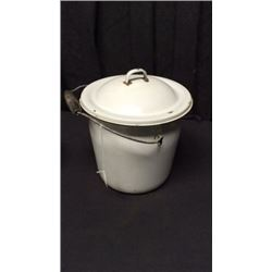 Enamel Pot with lid
