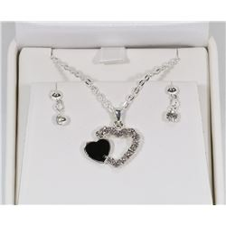 LADIES 3D HEART PENDANT WITH  NECKLACE AND