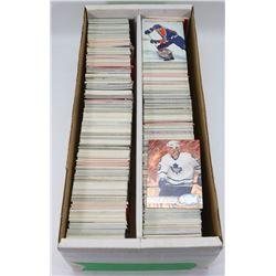 1600 ASSORTED HOCKEY CARDS