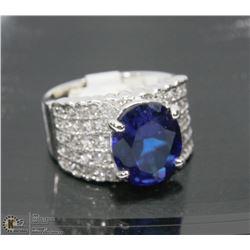 BLUE STONE DESIGNER RING SIZE 7
