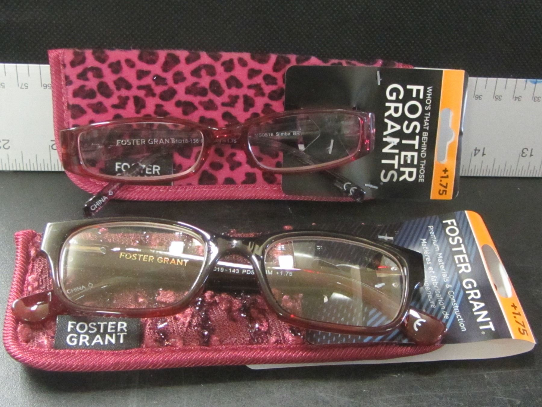 c08411e2f73 Image 1   New 2 pair Foster Grant women s Reading glasses with cases   + ...