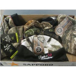 Bundle of New Realtree hats / 6 in total