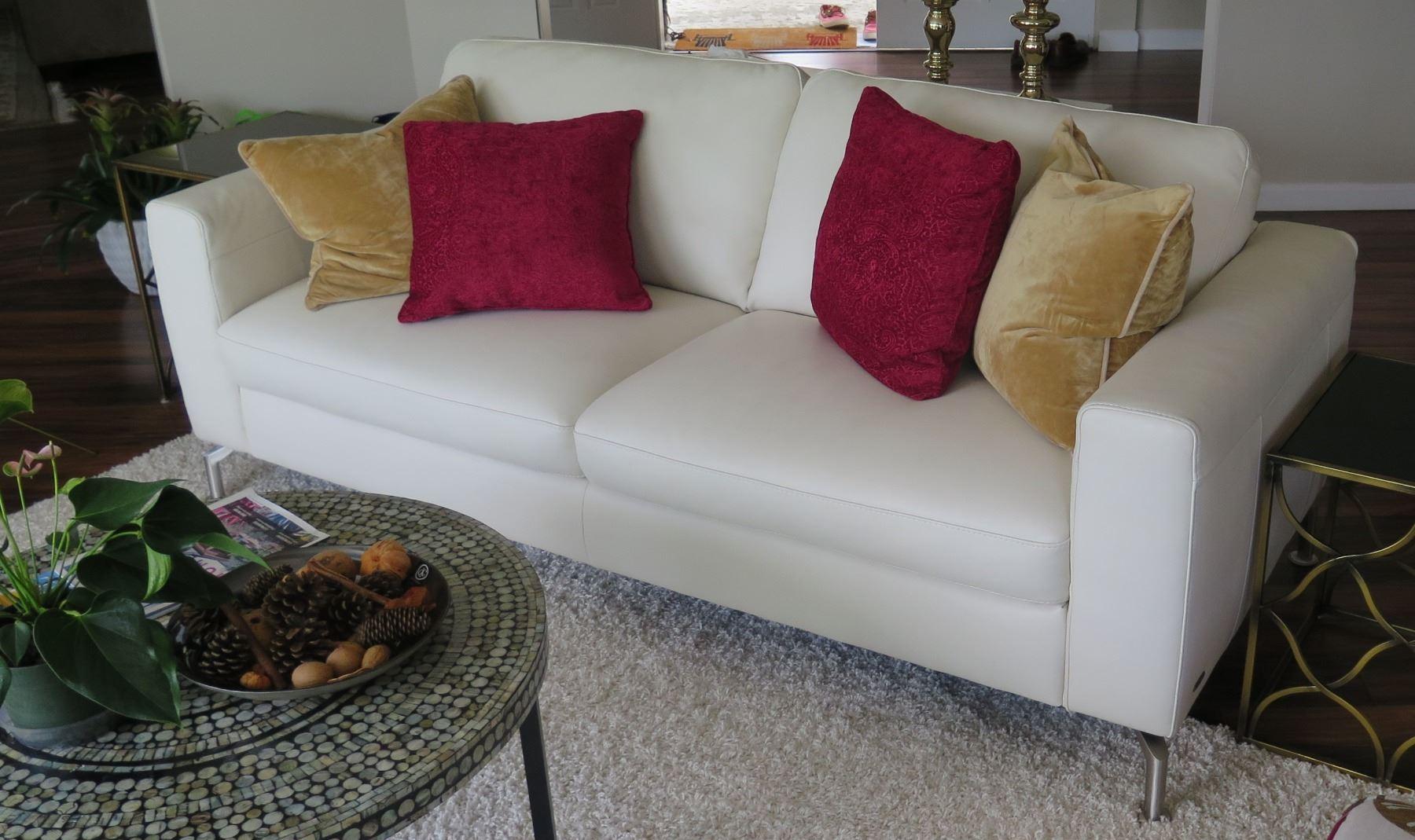Design Bank Natuzzi.White Natuzzi Modern Leather Sofa Approx 80 L 35 W Oahu