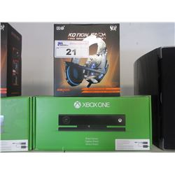 XBOX ONE KINECT SENSOR/GAMING HEADSET