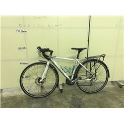WHITE MEC COTE 30 SPEED HYBRID ROAD BIKE WITH FRONT AND REAR DISC BRAKES