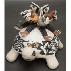 ACOMA POTTERY TURTLE (RAY)