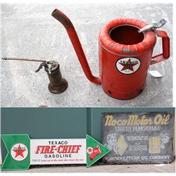 Texaco Swingspout 1 gal. oil can and automobile signs
