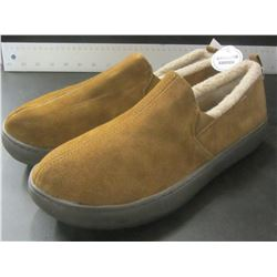 New Mens Genuine suede Mossimo slippers / Non marking sole / Size 11