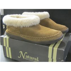 Women's Moccasin Slippers size 8 / chesnut