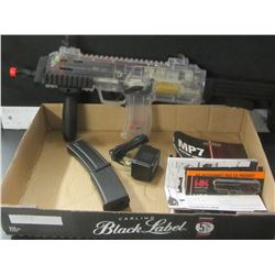 MP7 Electric Air Soft / semi auto & full auto / metal barrel/ UNTESTED no box