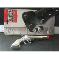 Cowboys Die Cast Metal replica Cap Gun / very high quality / shoots roll caps