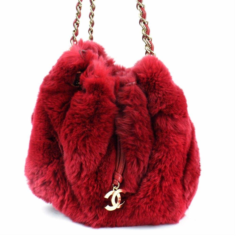 03bd910ebc Image 1 : Chanel LIMITED EDITION Red RABBIT FUR CHAIN SHOULDER BAG ...