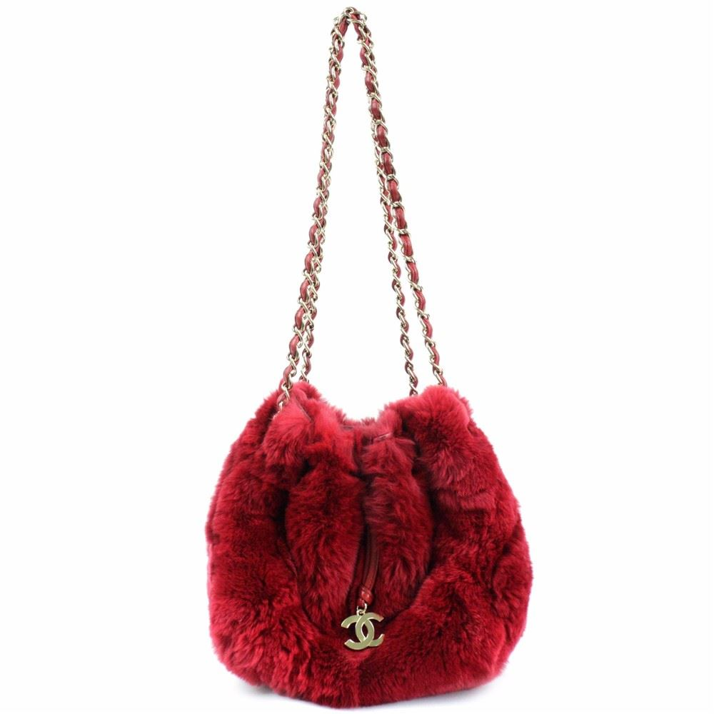 4e63a30454 Chanel LIMITED EDITION Red RABBIT FUR CHAIN SHOULDER BAG