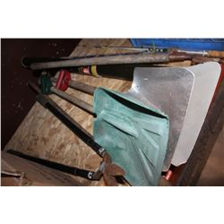 LOT OF SHOVELS AND GARDEN SHEARS