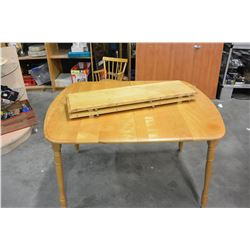 MAPLE DINING TABLE WITH TWO LEAFS