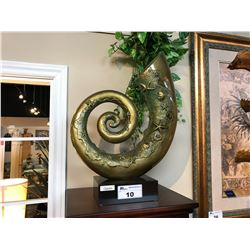 LOT OF HOME DECOR: LARGE SCROLL SHELL STATUE