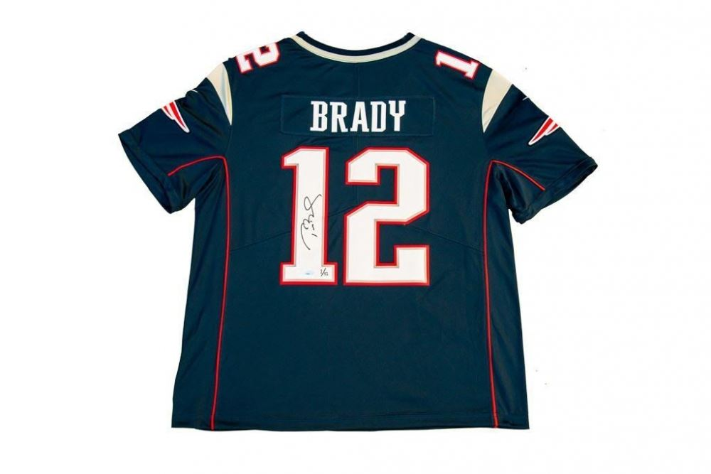 b2939d61f16 Image 1 : Tom Brady Signed Patriots Limited Edition Jersey with Super Bowl  LI Patch (