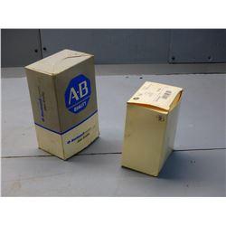 ALLEN BRADLEY NIB 700-P400A1 SER.D TYPE P CONTROL RELAY AND 700-PK800A1 SER. B CONTROL RELAY