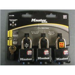 New set of 3 Master Locks all keyed alike / weather resistant
