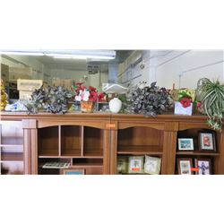Approx 10 pcs: Faux Plants, Ceramic Cat Figurines, Baskets, etc.
